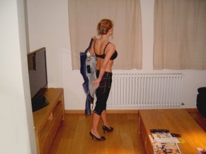 Suzette private escort Willich, NW